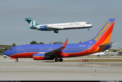 Southwest 737 and AirTrain 717